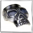 Massive Ring als Large skull