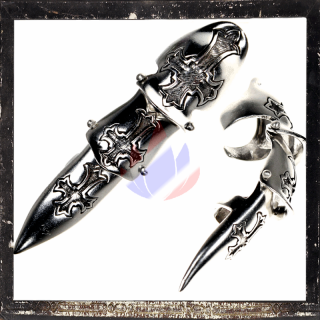 Armor Ring / Joint Ring - With 3 Gothic crosses