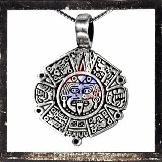 Maja pendant with cult God and characters