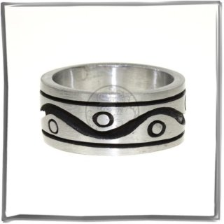 Massiver Ring mit *MODERN DESIGN* (VII)